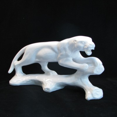 Art Deco sculpture van panter Jema 328